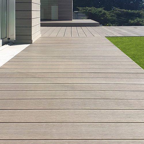 pavimenti in legni compositi e naturali (1)